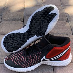 Nike KD Trey 5 VIII EP Kevin Durant Basketball Shoes Women's Size 9/Men's 7.5 for Sale in Las Vegas, NV
