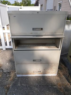 Filing cabinet for Sale in North Ridgeville, OH