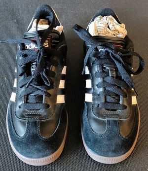 Sneakers-Adidas Samba size 4 Flats comfort suede black for Sale in TN OF TONA, NY
