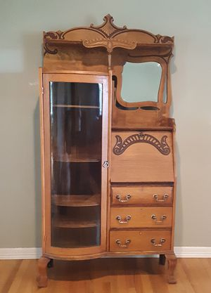 MOVING NEED TO SELL Authentic Vintage Traditional Oak Side by Side Hutch Secretary for Sale in Dundee, OR