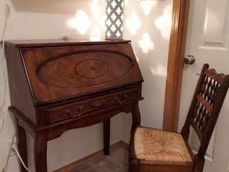 Great Condition Desk Set for Sale in Lynnwood,  WA