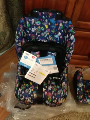 Foonf forward and rear-facing convertible car seat for Sale in Belmont, CA