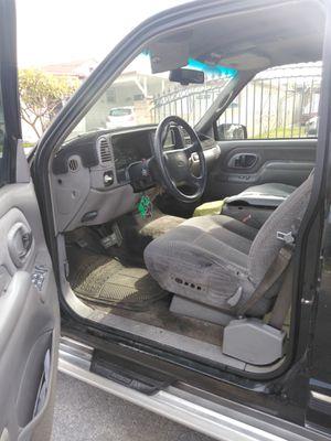 Vendo Chevy suburban 1996 4x4 automatic transmission motor 5.7 350 placas Al corriente titulo limpio limpia travajando bien for Sale in Baldwin Park, CA