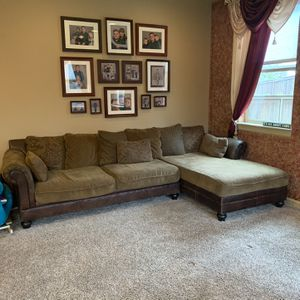 Sectional Couch And Ottoman for Sale in Ridgefield, WA