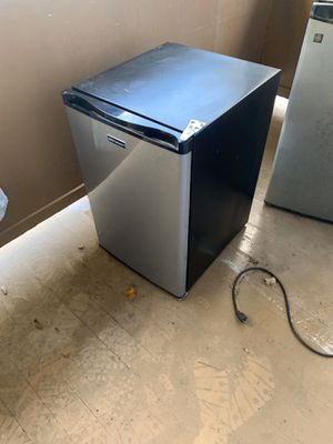 Emerson fridge and freezer for Sale in Pittsburgh, PA