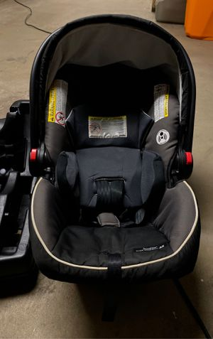 Graco snugride car seat & base for Sale in Chicago, IL