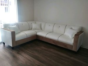 NEW 7X9FT WHITE LEATHER SECTIONAL COUCHES for Sale in Indio, CA