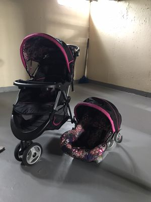 Stroller & car seat for Sale in Ypsilanti, MI