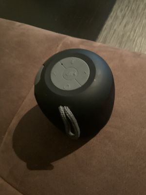 BLUETOOTH WIRELESS SPEAKER 🔊 for Sale in Chicago, IL