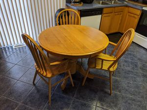 Kitchen Set 3Chair & Table for Sale in Edgewood, MD
