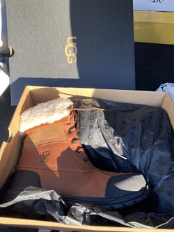 UGG BOOTS MEN BRAND NEW MEN SIZE 8.5 for Sale in Philadelphia,  PA