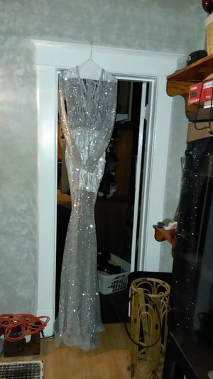 Prom dress glitter sliver for Sale in St. Louis, MO
