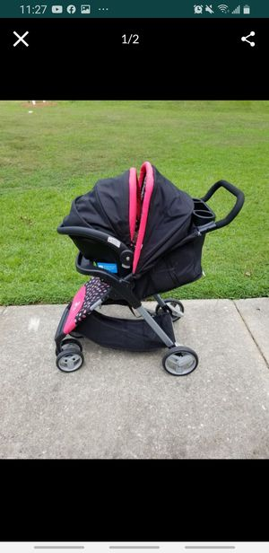 Minnie mouse stroller, car seat & base. for Sale in Lilburn, GA