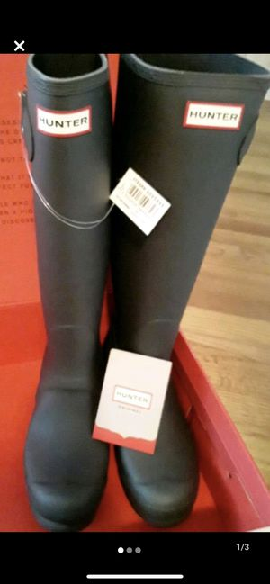 Female Hunter rain boots size 9 for Sale in Lockport, IL