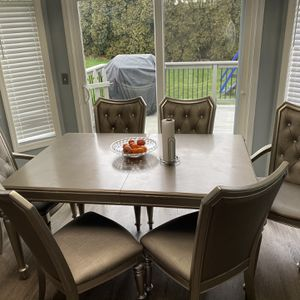 Kitchen table for Sale in Troutdale, OR
