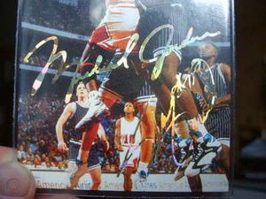 Micheal jordan shaq gold autograph for Sale in Evansville, IN