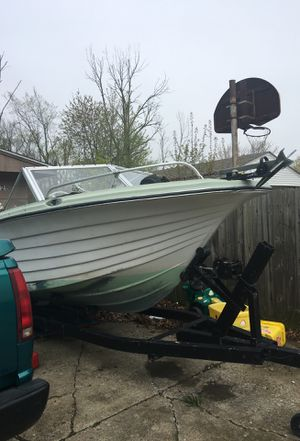 20 ft Iola molded plastics (IMC) Boat's for Sale in Lorain, OH