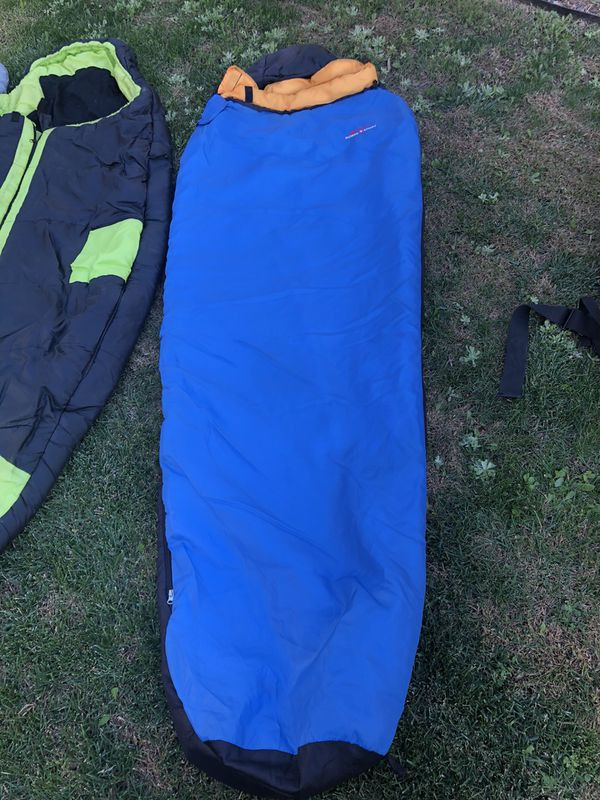 3 lbs summer sleeping bags with compression bags. /adjustable backpacking pack
