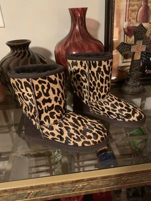 Ugg boots size 7 for Sale in Euclid, OH