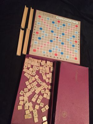 SCRABBLE GAME VINTAGE 1948 local pickup or shipping USA for Sale in Trafford, PA