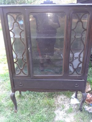 Old antique china cabinet for Sale in Mableton, GA