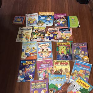 Simpsons Comic Collection for Sale in Sterling Heights, MI