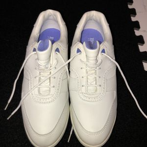 Ladies Etonic Golf Shoes New 10 for Sale in Henderson, NV