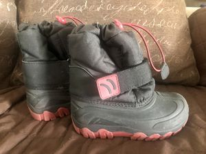KIDS TODDLER THWRMOLITE SIZE 9/10 SNOW BOOTS SHOES for Sale in Garden Grove, CA