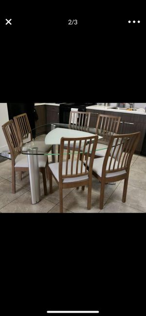 Dining table. (Include 6 chairs) for Sale in Miami, FL