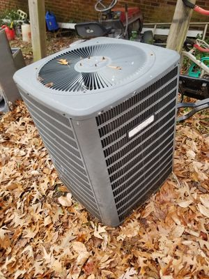 2.5 ton heatpump R22 for Sale in Newport News, VA