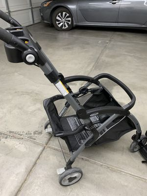 Click connect stroller, car seat, and multiple bases for Sale in Adelanto, CA