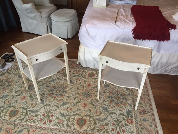 King Size Bed And White Side Tables For Sale In Seattle