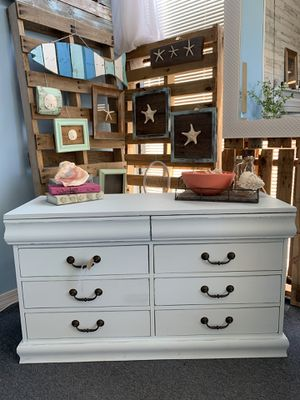 Shabby Chic Dresser for Sale in Clearwater, FL