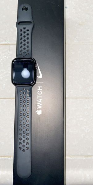 Apple Watch series 5 44mm for Sale in San Joaquin, CA