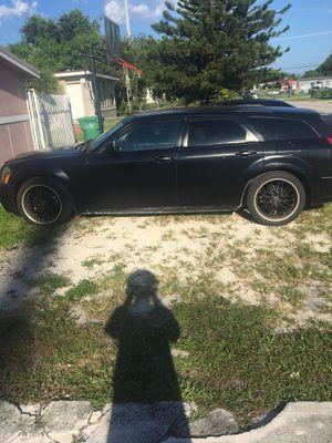 Dodge magnum for Sale in Miami, FL