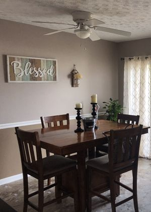 Pedestal kitchen table set with chairs for Sale in Martinsburg, WV