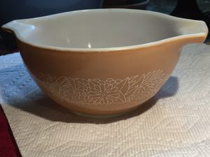 Vintage Small Pyrex- Woodland pattern for Sale in Knightdale, NC
