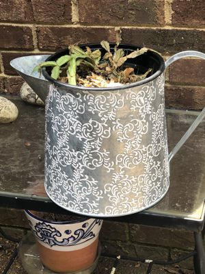 "Flower Pot 9"" high for Sale in Smyrna, TN"