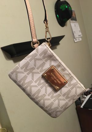 Mk small pouch for Sale in Munford, TN