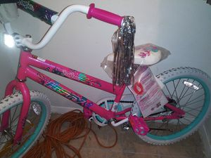 Selling a brand new girls bike for $50 never been used for Sale in Dallas, TX