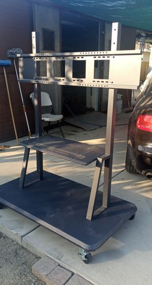 Tv stand 55' and bigger for Sale in Riverside, CA