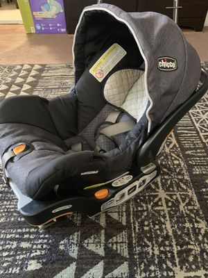 Chico Car seat Keyfit 30 with base for Sale in Whittier, CA