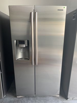 Refrigerator Samsung Stainless Steel Side-by-side for Sale in Jacksonville, FL