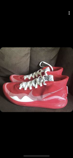 Nike KD10 for Sale in Cleveland, OH