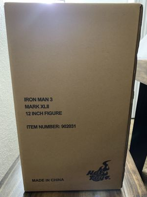 Hot Toys Iron Man 3 Mark XLII 42 1/6 scale 12 inch figure die cast New. for Sale in Lakeside, CA
