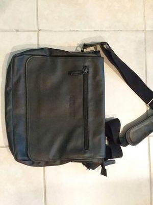 Kenneth Cole Reaction Black Messenger Bag/Laptop Case for Sale in Tampa, FL