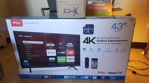 "TCL 43"" Roku TV with wall mount arm bracket for Sale in Denver, CO"