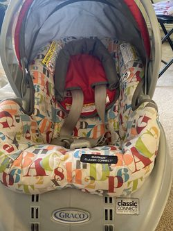 Graco Baby Car Seat with car base for Sale in Roseville,  CA