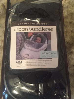 CAR SEAT COVER- JJ COLE COLLECTIONS URBAN BUNDLEME- INFANT for Sale in Riverside, CA