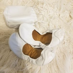 Nine West White Leather 7 m Flats Ballerina Shoes for Sale in Los Angeles, CA